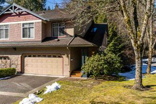 "Photo 2: 1057 STRATHAVEN Drive in North Vancouver: Northlands Townhouse for sale in ""STRATHAVEN"" : MLS®# R2345363"