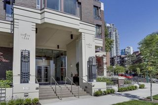 "Photo 1: 901 1003 PACIFIC Street in Vancouver: West End VW Condo for sale in ""SEASTAR"" (Vancouver West)  : MLS®# R2353861"