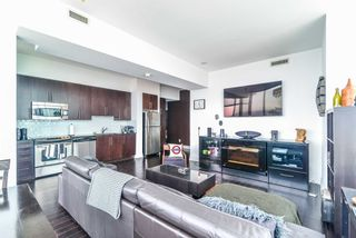 Photo 7: 3302 223 Webb Drive in Mississauga: City Centre Condo for sale : MLS®# W4403906