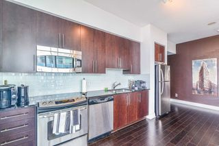 Photo 10: 3302 223 Webb Drive in Mississauga: City Centre Condo for sale : MLS®# W4403906