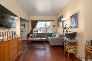 """Photo 6: 266 E 26TH Avenue in Vancouver: Main House for sale in """"MAIN STREET"""" (Vancouver East)  : MLS®# R2358788"""