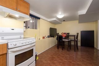"""Photo 18: 266 E 26TH Avenue in Vancouver: Main House for sale in """"MAIN STREET"""" (Vancouver East)  : MLS®# R2358788"""