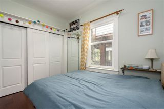 """Photo 10: 266 E 26TH Avenue in Vancouver: Main House for sale in """"MAIN STREET"""" (Vancouver East)  : MLS®# R2358788"""