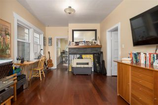 """Photo 5: 266 E 26TH Avenue in Vancouver: Main House for sale in """"MAIN STREET"""" (Vancouver East)  : MLS®# R2358788"""
