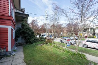 "Photo 29: 266 E 26TH Avenue in Vancouver: Main House for sale in ""MAIN STREET"" (Vancouver East)  : MLS®# R2358788"