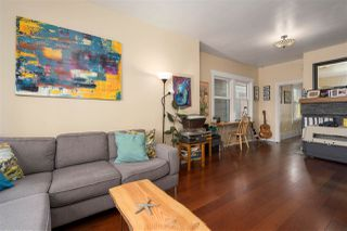 """Photo 4: 266 E 26TH Avenue in Vancouver: Main House for sale in """"MAIN STREET"""" (Vancouver East)  : MLS®# R2358788"""
