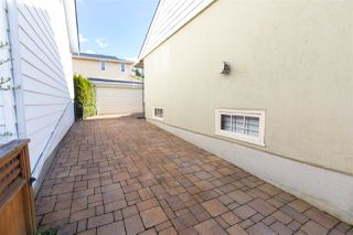 Photo 2: 406 EIGHTH Avenue in New Westminster: GlenBrooke North House for sale : MLS®# R2360124