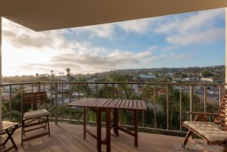 Photo 2: PACIFIC BEACH Condo for sale : 2 bedrooms : 4944 Cass St #603 in San Diego