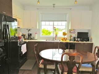 """Photo 6: 43 8767 162 Street in Surrey: Fleetwood Tynehead Townhouse for sale in """"Taylor"""" : MLS®# R2368914"""