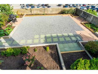 "Photo 7: 203 15466 NORTH BLUFF Road: White Rock Condo for sale in ""THE SUMMIT"" (South Surrey White Rock)  : MLS®# R2371084"