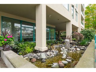 "Photo 2: 203 15466 NORTH BLUFF Road: White Rock Condo for sale in ""THE SUMMIT"" (South Surrey White Rock)  : MLS®# R2371084"
