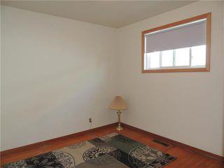 Photo 5: 229 Burrin Avenue in Winnipeg: West Kildonan Residential for sale (4D)  : MLS®# 1916693