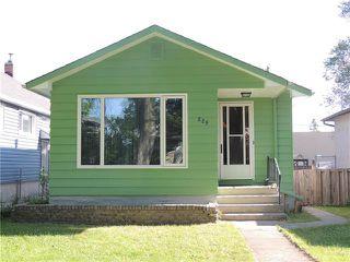 Photo 1: 229 Burrin Avenue in Winnipeg: West Kildonan Residential for sale (4D)  : MLS®# 1916693