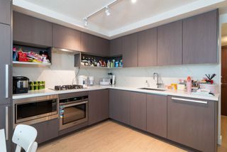Photo 9: 615 8833 HAZELBRIDGE Way in Richmond: West Cambie Condo for sale : MLS®# R2385774
