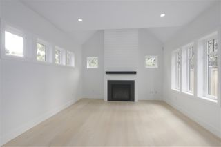 Photo 3: 2049 W 15TH Avenue in Vancouver: Kitsilano House 1/2 Duplex for sale (Vancouver West)  : MLS®# R2404140