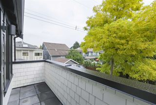 Photo 14: 2049 W 15TH Avenue in Vancouver: Kitsilano House 1/2 Duplex for sale (Vancouver West)  : MLS®# R2404140