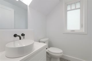 Photo 9: 2049 W 15TH Avenue in Vancouver: Kitsilano House 1/2 Duplex for sale (Vancouver West)  : MLS®# R2404140