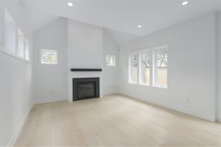 Photo 2: 2049 W 15TH Avenue in Vancouver: Kitsilano House 1/2 Duplex for sale (Vancouver West)  : MLS®# R2404140