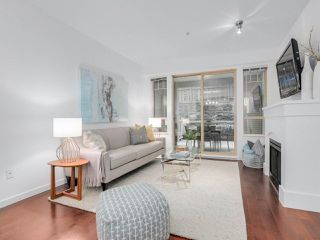 """Photo 2: 106 2959 SILVER SPRINGS Boulevard in Coquitlam: Westwood Plateau Condo for sale in """"TANTALUS"""" : MLS®# R2405133"""