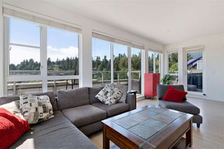 "Photo 8: 505 1621 HAMILTON Avenue in North Vancouver: Mosquito Creek Condo for sale in ""HEYWOOD ON THE PARK"" : MLS®# R2407129"
