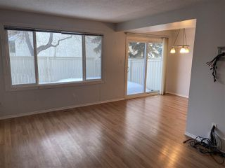 Photo 5: 137 CALLINGWOOD Place in Edmonton: Zone 20 Townhouse for sale : MLS®# E4188418