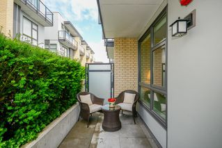 "Photo 2: 7918 MANITOBA Street in Vancouver: Marpole Townhouse for sale in ""CHURCHILL"" (Vancouver West)  : MLS®# R2469710"
