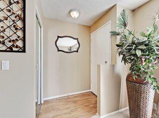 Photo 3: 8 CEDARGROVE Way SW in Calgary: Cedarbrae Detached for sale : MLS®# A1025701