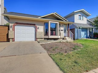 Photo 2: 8 CEDARGROVE Way SW in Calgary: Cedarbrae Detached for sale : MLS®# A1025701