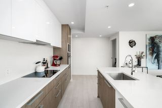 "Photo 17: 1705 285 E 10TH Avenue in Vancouver: Mount Pleasant VE Condo for sale in ""The Independent"" (Vancouver East)  : MLS®# R2505376"