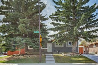 Photo 3: 11235 Braniff Road SW in Calgary: Braeside Detached for sale : MLS®# A1047237