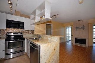 """Photo 5: 3306 939 HOMER Street in Vancouver: VVWYA Condo for sale in """"PINNACLE"""" (Vancouver West)  : MLS®# V886499"""