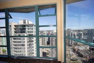 """Photo 4: 3306 939 HOMER Street in Vancouver: VVWYA Condo for sale in """"PINNACLE"""" (Vancouver West)  : MLS®# V886499"""