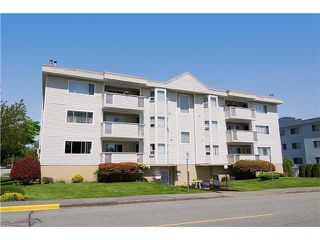 "Photo 1: 304 22213 SELKIRK Avenue in Maple Ridge: West Central Condo for sale in ""CAMBRIDGE HOUSE"" : MLS®# V889874"