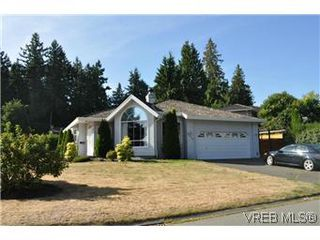 Photo 20: 2409 Twin View Dr in VICTORIA: CS Tanner House for sale (Central Saanich)  : MLS®# 585137