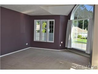 Photo 3: 2409 Twin View Dr in VICTORIA: CS Tanner House for sale (Central Saanich)  : MLS®# 585137