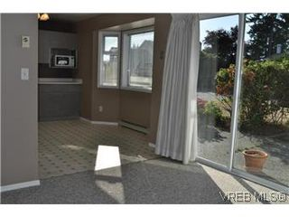 Photo 7: 2409 Twin View Dr in VICTORIA: CS Tanner House for sale (Central Saanich)  : MLS®# 585137
