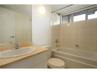 "Photo 9: 2204 1238 RICHARDS Street in Vancouver: Yaletown Condo for sale in ""METROPOLIS"" (Vancouver West)  : MLS®# V1037264"