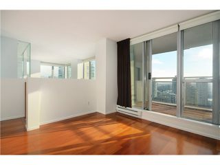 "Photo 11: 2204 1238 RICHARDS Street in Vancouver: Yaletown Condo for sale in ""METROPOLIS"" (Vancouver West)  : MLS®# V1037264"