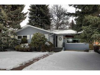 Photo 1: 9936 5 Street SE in CALGARY: Willow Park Residential Detached Single Family for sale (Calgary)  : MLS®# C3606057