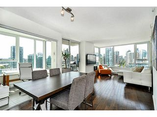 """Photo 1: 2206 33 SMITHE Street in Vancouver: Yaletown Condo for sale in """"Coopers Lookout"""" (Vancouver West)  : MLS®# V1090861"""