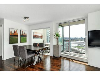 """Photo 2: 2206 33 SMITHE Street in Vancouver: Yaletown Condo for sale in """"Coopers Lookout"""" (Vancouver West)  : MLS®# V1090861"""