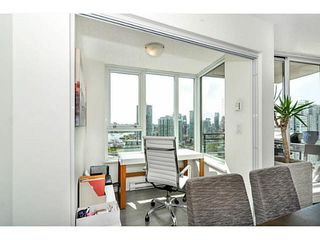 """Photo 11: 2206 33 SMITHE Street in Vancouver: Yaletown Condo for sale in """"Coopers Lookout"""" (Vancouver West)  : MLS®# V1090861"""