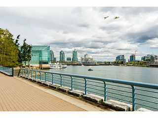 """Photo 14: 2206 33 SMITHE Street in Vancouver: Yaletown Condo for sale in """"Coopers Lookout"""" (Vancouver West)  : MLS®# V1090861"""