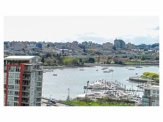 """Photo 3: 2206 33 SMITHE Street in Vancouver: Yaletown Condo for sale in """"Coopers Lookout"""" (Vancouver West)  : MLS®# V1090861"""