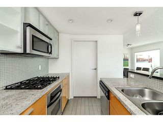 """Photo 9: 2206 33 SMITHE Street in Vancouver: Yaletown Condo for sale in """"Coopers Lookout"""" (Vancouver West)  : MLS®# V1090861"""