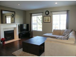 "Photo 2: 21572 93B Avenue in Langley: Walnut Grove House for sale in ""Walnut Grove"" : MLS®# F1427995"