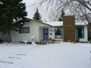 Photo 2: 192 BROOKGREEN Drive SW in Calgary: Braeside_Braesde Est Residential Detached Single Family for sale : MLS®# C3648966