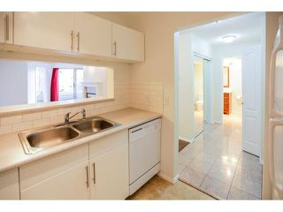 """Photo 3: 202 7326 ANTRIM Avenue in Burnaby: Metrotown Condo for sale in """"SOVEREIGN MANOR"""" (Burnaby South)  : MLS®# V1115061"""