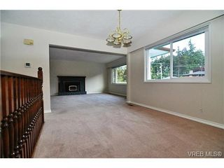 Photo 3: 504 Salton Drive in VICTORIA: Co Triangle Single Family Detached for sale (Colwood)  : MLS®# 351880