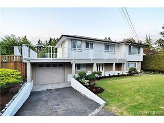 Photo 1: 504 Salton Drive in VICTORIA: Co Triangle Single Family Detached for sale (Colwood)  : MLS®# 351880